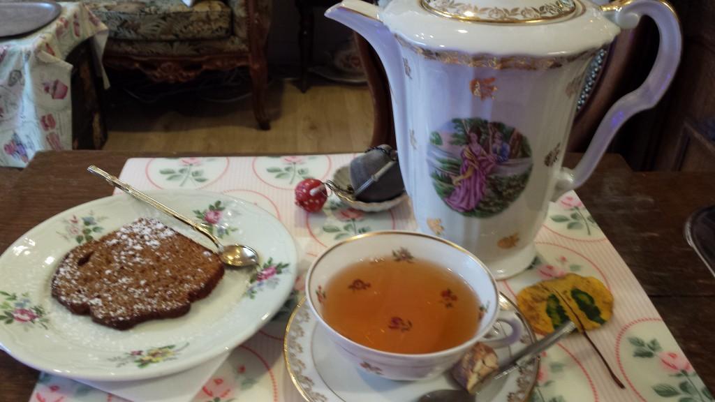 L'art du thé pour partager un peu de chaleur humaine et une gourmandise.