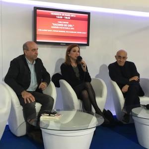 de gauche à droite: Timour Muhidine, Mycèle Leca, Albert Dichy en débat à la foire du live de Tunis