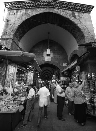 Trading at the Spice bazaar entrance