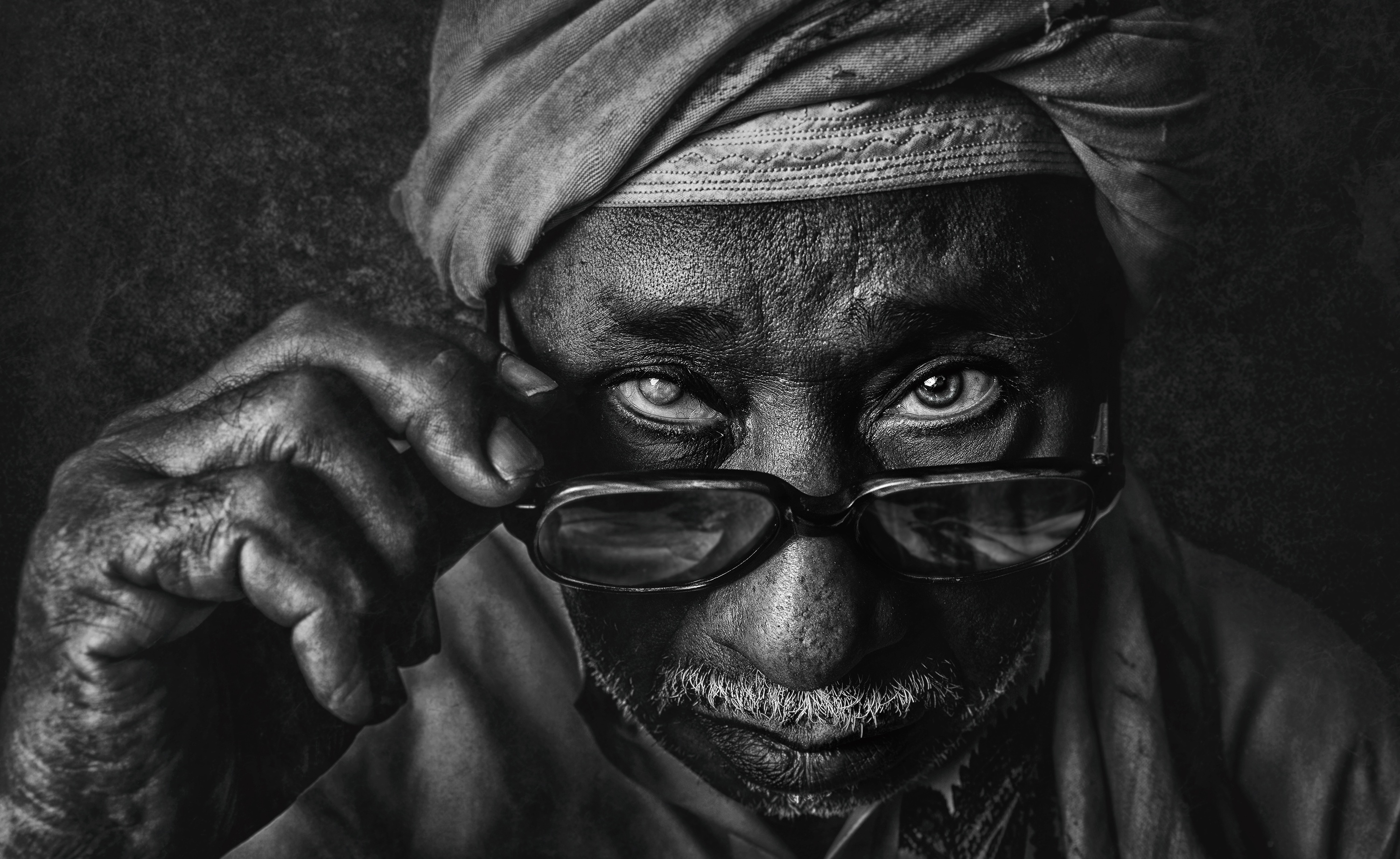 """It's been a long journey"" – Monochrome Portraits by Fadhel Almutaghawi"
