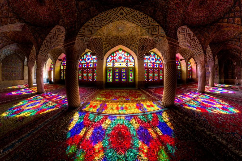 La Mosquée Rose ou la mosquée Nasir-al mulk est un site historique situé à Shiraz, Iran. © Mohammad Reza