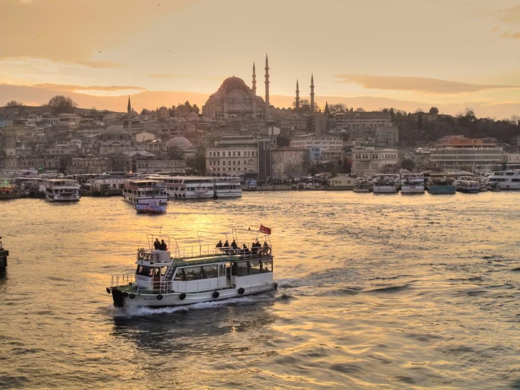 Istanbul-karakoy © Aydın Korkmaz