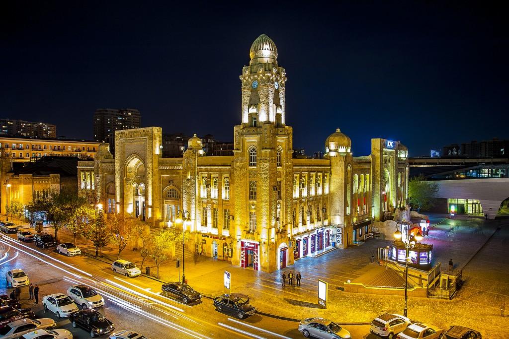 Old railway station now it is the biggest world KFC building © Eldar Fazraliyev